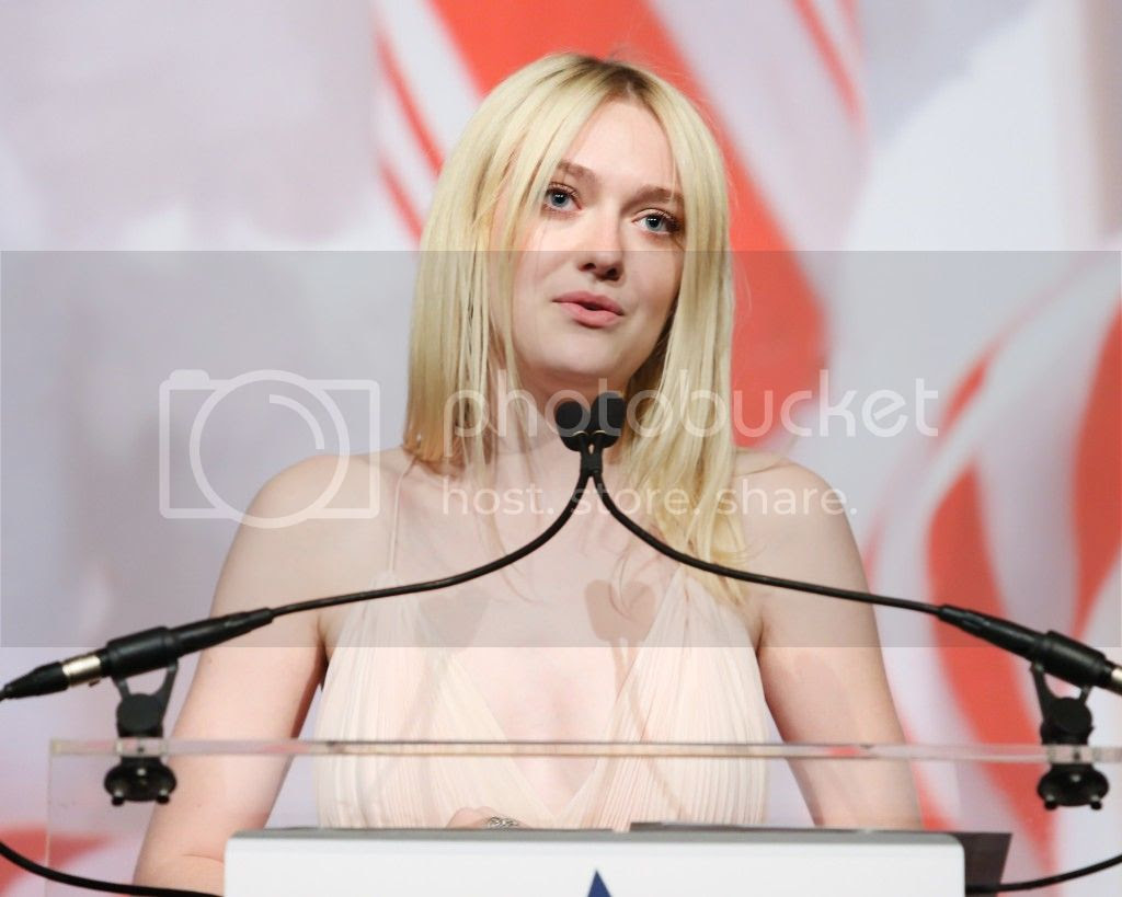 photo Dakota-Fanning-Arrives-At-2013-Americans-For-The-Arts-Gala-in-NY-8-1024x819_zpsb962ca42.jpg