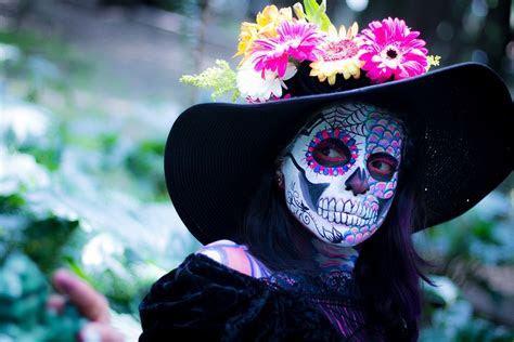 15 Dia de Los Muertos Wedding Ideas