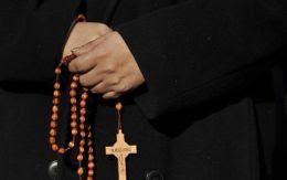 Αποτέλεσμα εικόνας για μοναχός με εργόχειρο