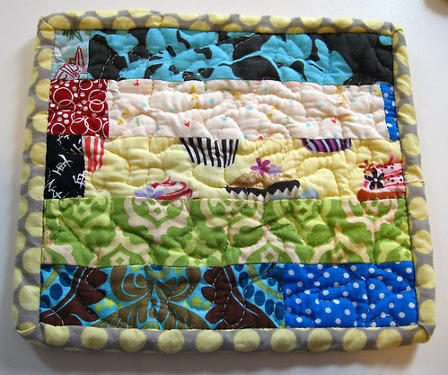Quilted patchwork hotpad