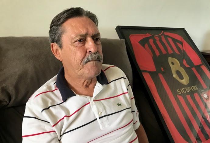 Sicupira Atlético-PR (Foto: Gabriela Ribeiro)