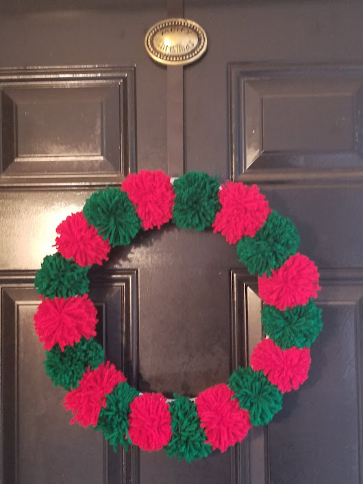 DIY Pom Pom Christmas Wreath – Budget Friendly