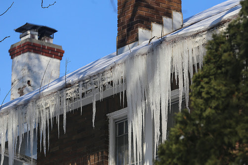 Can Eavestroughs Cause Rooftop Ice Dams? - Century Aluminum