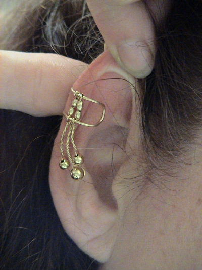 Instructions On How To Put On Ear Cuffs Or Ear Wraps Zannedelions