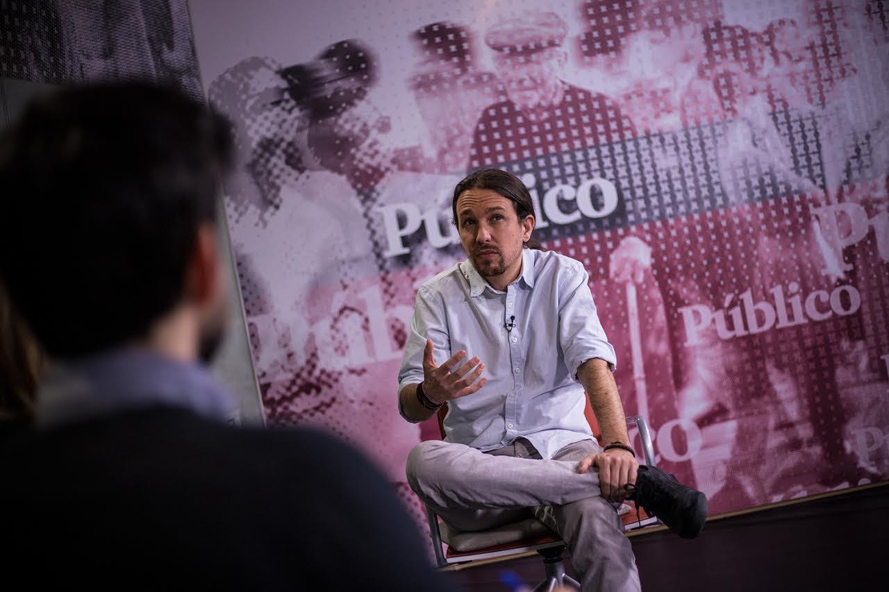 Pablo Iglesias, en la redacción de 'Público'. JAIRO VARGAS