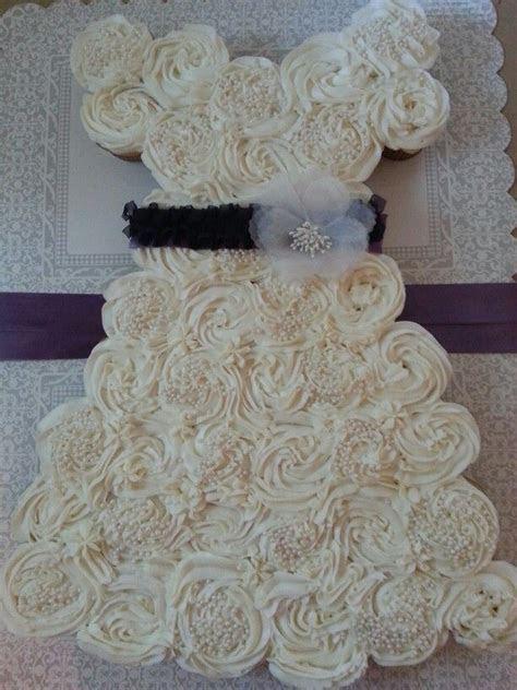 Wedding Dress Cupcake Cake for a weddinh shower..ediable