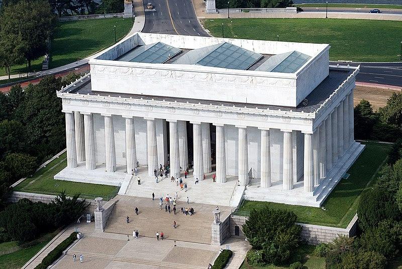 File:Aerial view of Lincoln Memorial - east side EDIT.jpeg