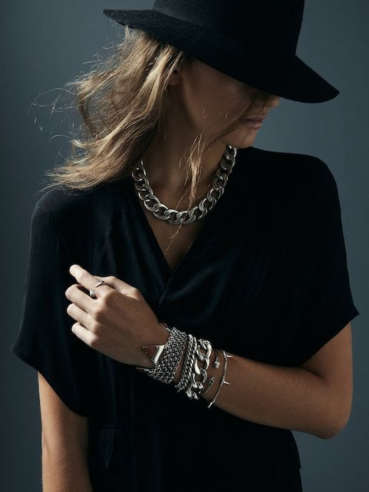 LE FASHION JEWELRY CRUSH JENNY BIRD FW 2013 EDGY STATEMENT PIECES SILVER CHAIN NECKLACE COLLAR STACKED BRACELETS MESH CHAIN SNAKE BRACELET PYTHON BLACK BASICS HAT V NECK TEE LONG WAVY HAIR 1 photo LEFASHIONJEWELRYCRUSHJENNYBIRDFW20131.jpg