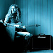 Guthrie Govan demos the TC Electronic Ditto Looper