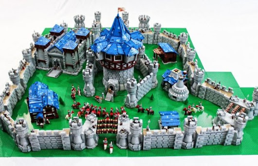 WORLD OF WARCRAFT's Theramore Isle Redone With 55,600 Lego Bricks! | FizX