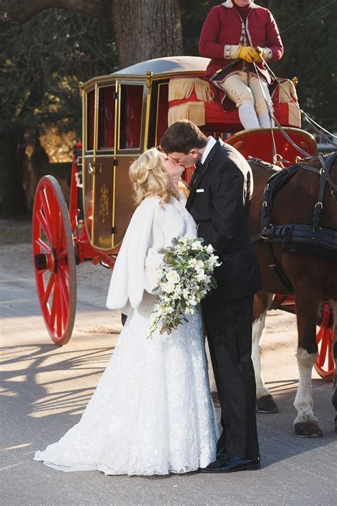 Classic Colonial Williamsburg Winter Wedding   Tidewater