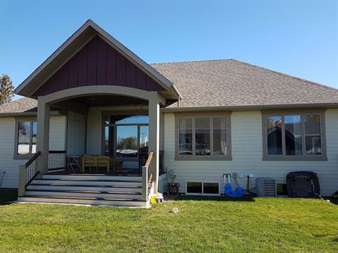 Home for Sale in Outlook, Saskatchewan $414,700
