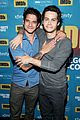 dylan obrien reunites with teen wolf cast at comic con 03