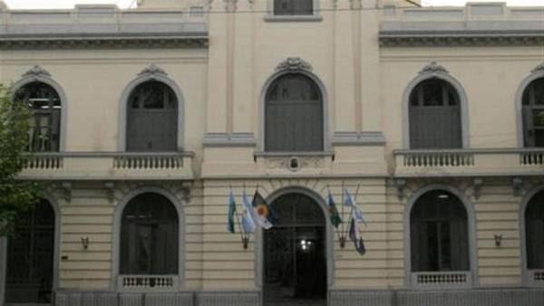 Municipalidad de La Matanza. Está ubicada en la ciudad de San Justo y es la sede de las autoridades comunales del territorio que ahora quieren fragmentar.
