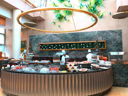 Pre-Christmas Lunch Buffet at the Greenhouse-Ritz Carlton Singapore!