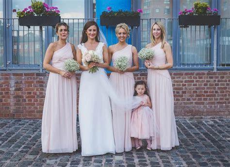Strangers donate wedding dress, cake, car and flowers so