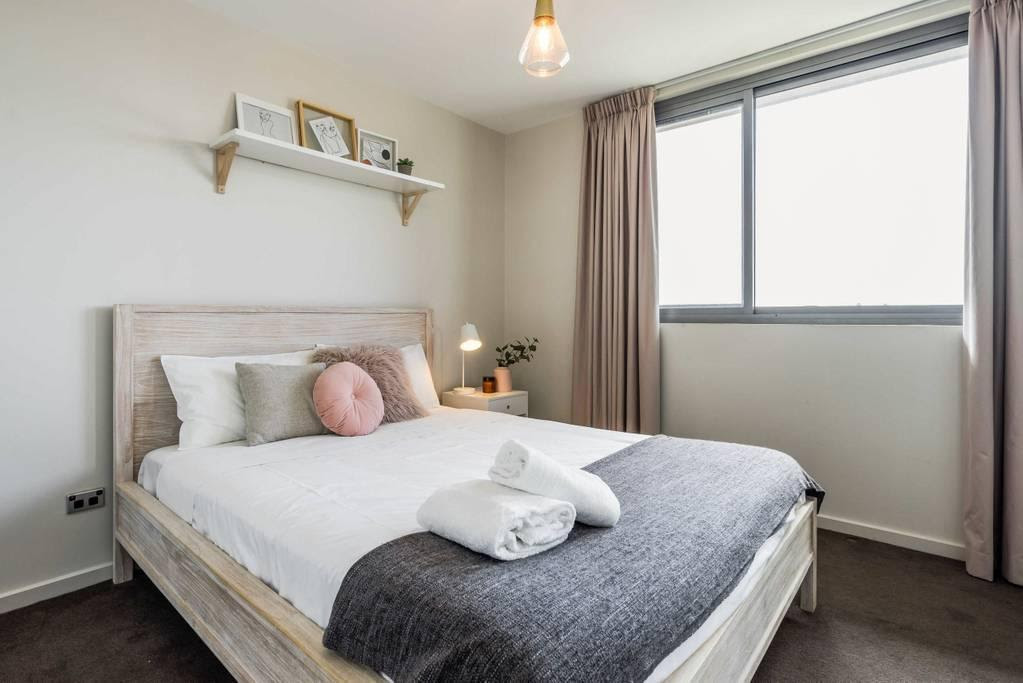 hotel near Sydney Designer Penthouse with Sweeping Views NMV483