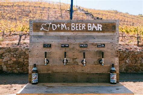 What Kinds of Beer Should I Serve at My Wedding?