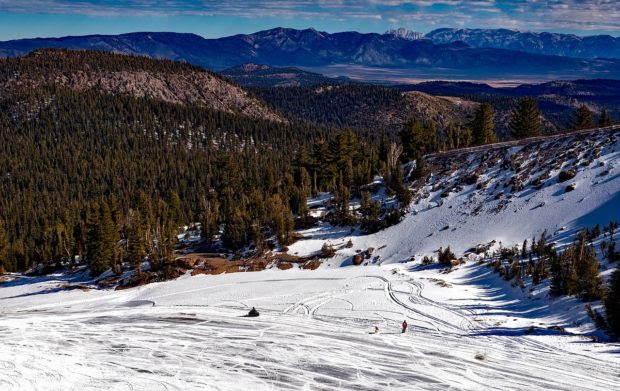 5 Snowboarding Destinations to Visit This Winter