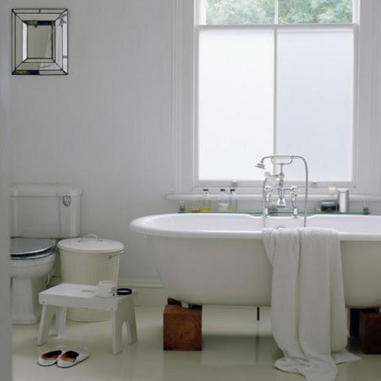 Modern bathroom   Roll-top bath   housetohome.co.uk