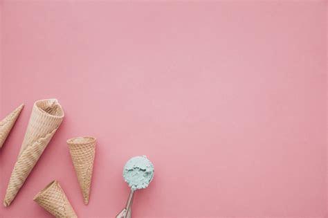 ice cream cone background  copyspace photo