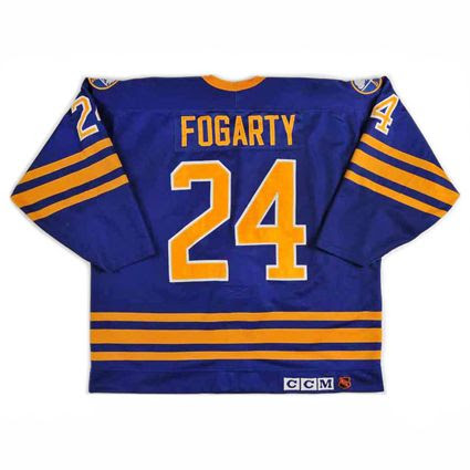 Buffalo Sabres 1985-86 jersey photo Buffalo Sabres 1985-86 B jersey.jpg