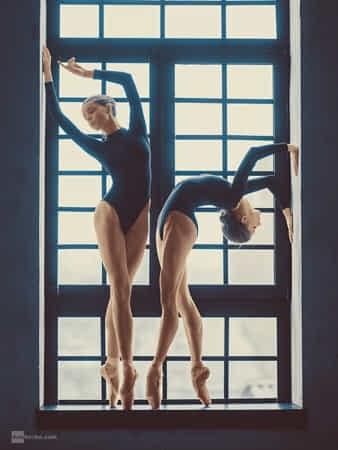 ballerinas by Dan Hecho