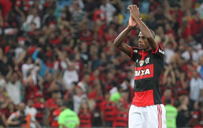 Marcelo ficará no Flamengo em 2015
