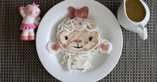 This Mom's Food Art For Her Kid Looks (Almost) Too Good To Eat