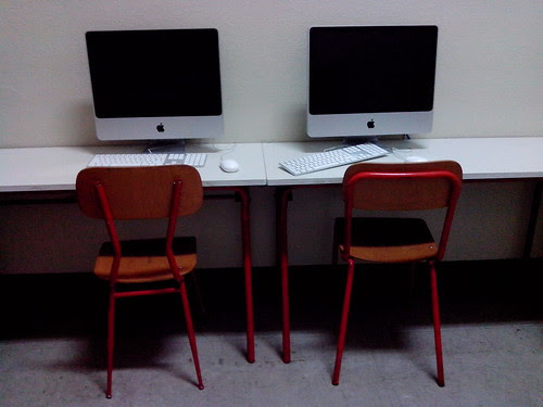 Fine lezione in aula Mac by Ylbert Durishti