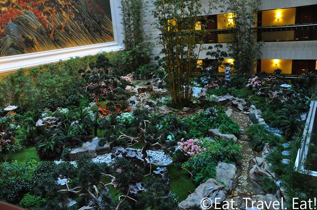 Island Shangri-La: Garden Area
