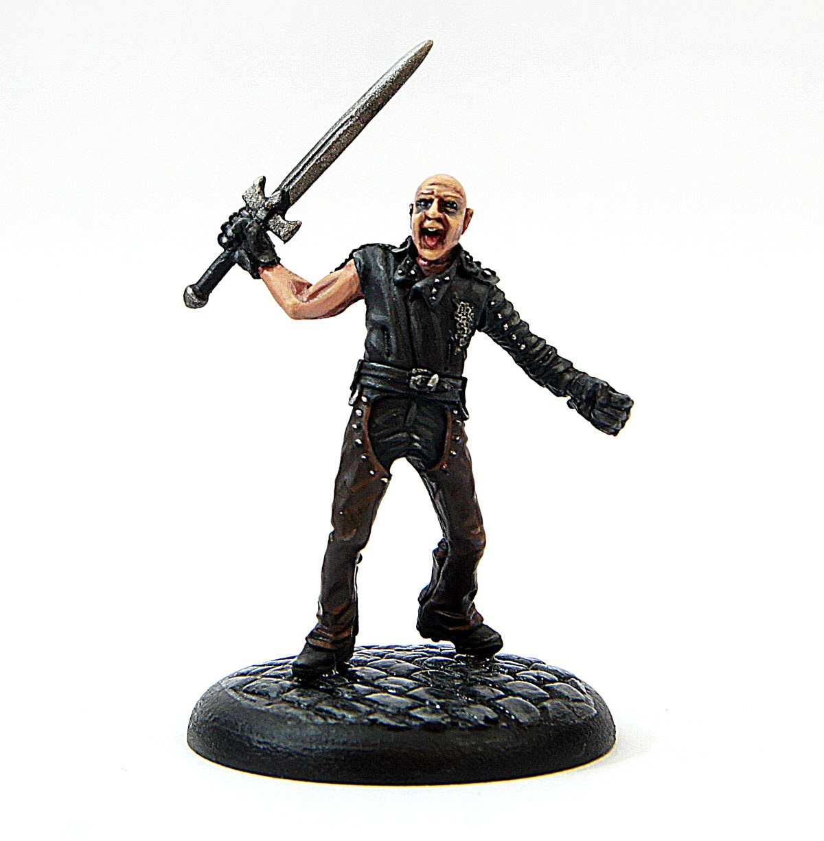 http://www.rogueminiatures.co.uk/media/catalog/product/cache/1/image/9df78eab33525d08d6e5fb8d27136e95/d/i/disguise_1.jpg