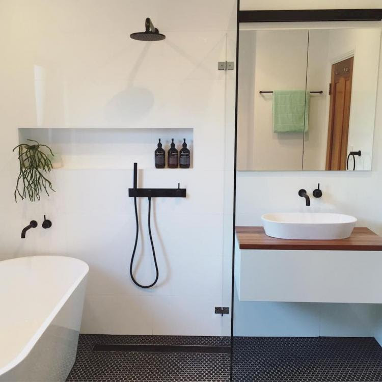 50+ Cool Small Master Bathroom Remodel Ideas on a Budget