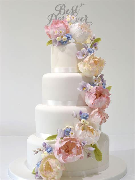 Cake Decorating Classes & Bespoke Wedding Cakes   The