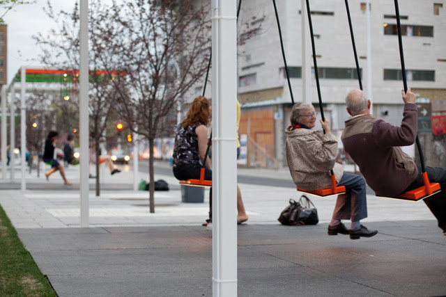 Musical Light Swings on the Streets of Montreal swings Montréal instruments