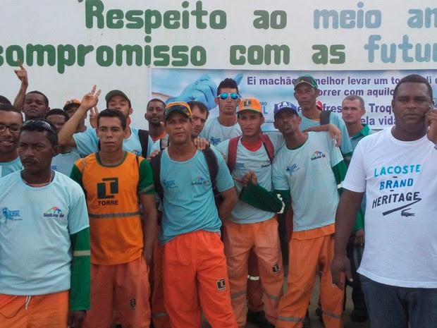 Garis fazem protesto contra prisão de colega após poeira durante varredura incomodar policiais (Foto: Marcelo Bastos Souza/Arquivo pessoal)