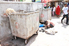 the drug addicts of bandra are garbage scavengers by firoze shakir photographerno1