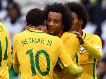 Marcelo e Neymar marcaram na vitória