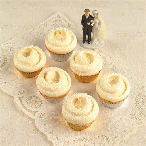 Wedding Favors, Cupcakes, Magnolia Bakery   Inside Weddings