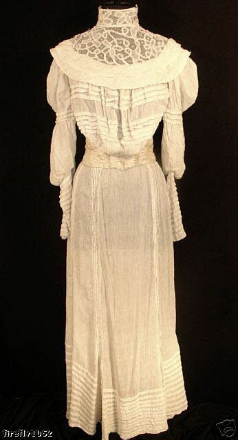 vintage antique victorian  wedding dress wtrain