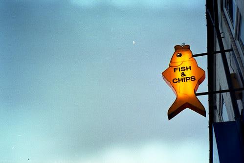 moon&fish&chips by pho-Tony