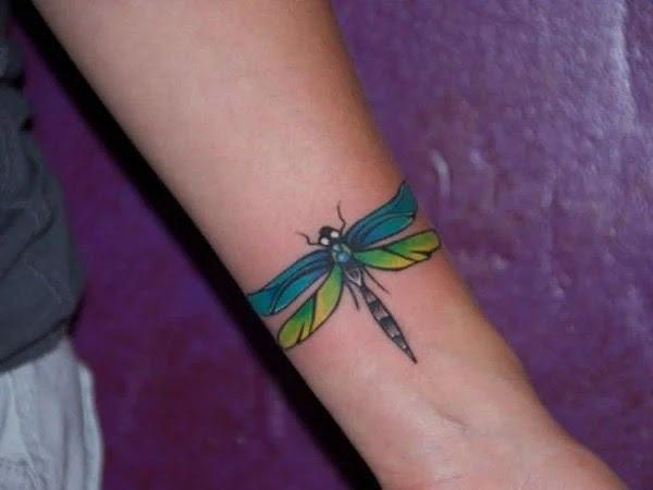 75 desenhos de tatuagem de libélula bonito e sexy 13 por Bryan