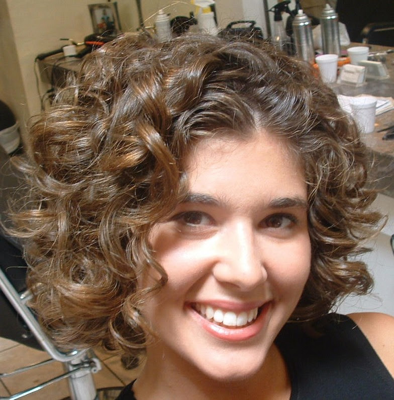 Curly Hairstyles For Round Faces Trendy Hairstyles