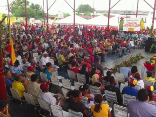 Assemblée paysanne et indigène en vue de rédiger une liste de propositions au gouvernement, Sud du Lac de Maracaibo, juillet 2014.