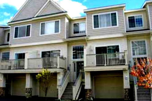 Plymouth Townhome Rental | CMS