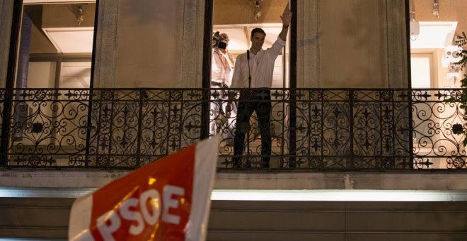 El reelegido secretario general del PSOE, Pedro Sanchez, celebra su victoria en las primarias. REUTERS/Sergio Perez