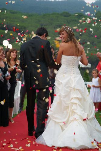 http://bodaestilo.com/sites/bodaestilo.com/files/bodas_celebracion.jpg