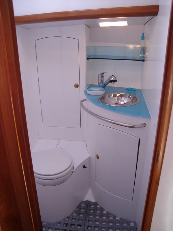 Cool Yacht Bathroom Ideas pictures
