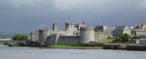 800px-King_John's_Castle_in_Limerick