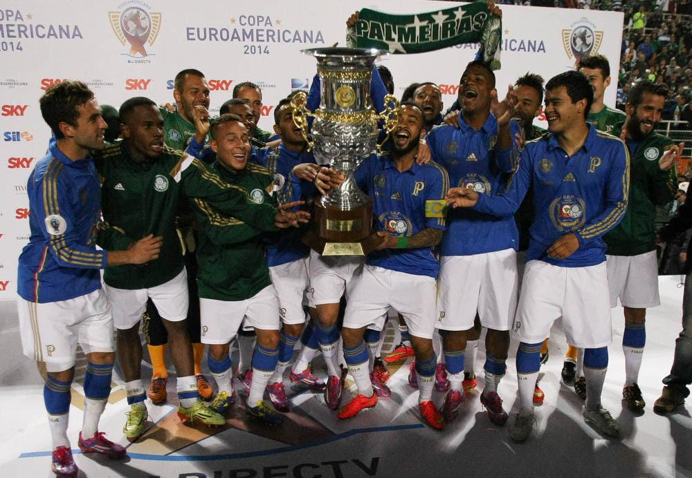 Cesar Greco/Ag. Palmeiras/Divulgação _ Jogadores do Verdão festejam a conquista do Troféu Julinho Botelho